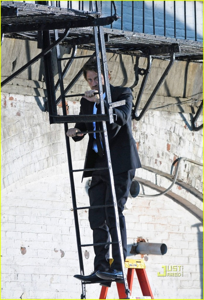 gerard-butler-loreal-ladder-commercial-02