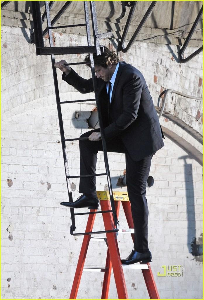 gerard-butler-loreal-ladder-commercial-05