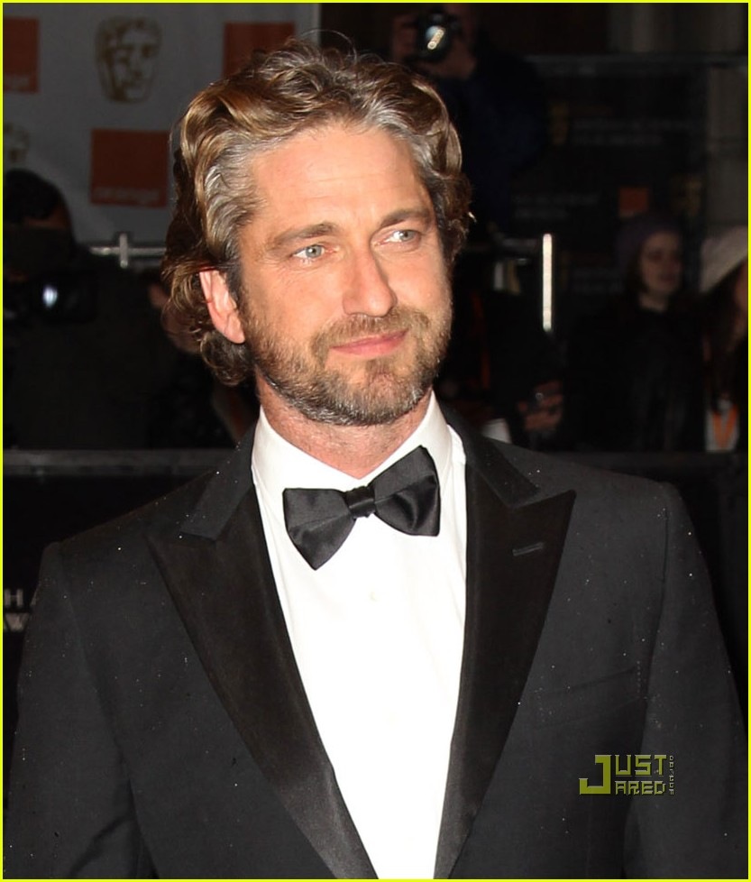 gerard-butler-baftas-red-carpet-03